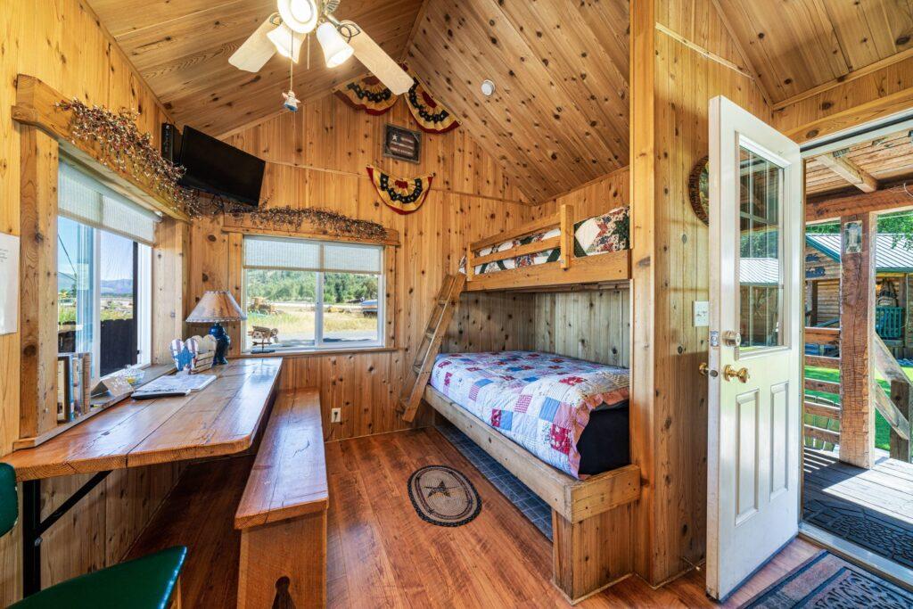 Bedroom 1, Dining Area (2500)