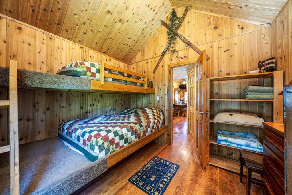 Bedroom 2 (2500)
