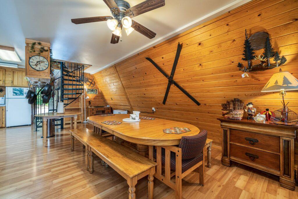 Dining Room (2500)