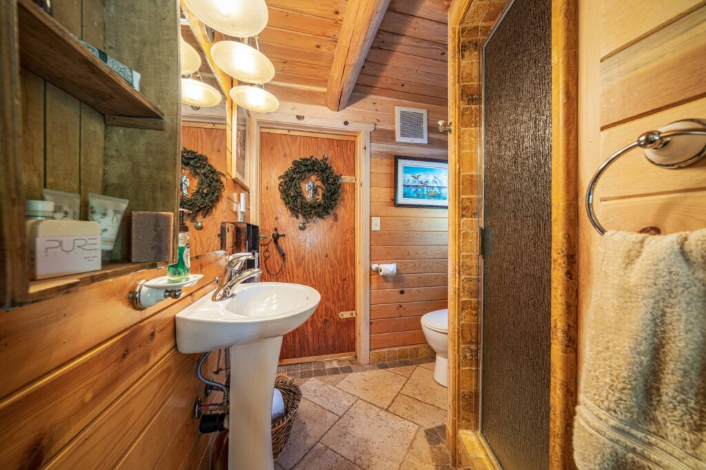 Doe Skin Bathroom (2500)