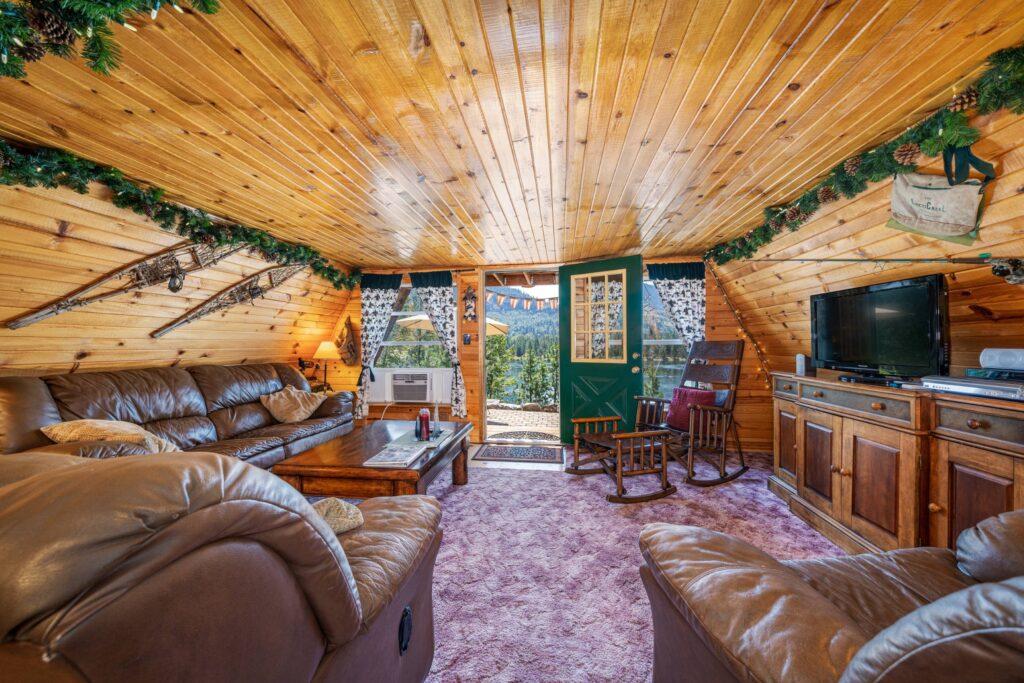 Living Room (2500)