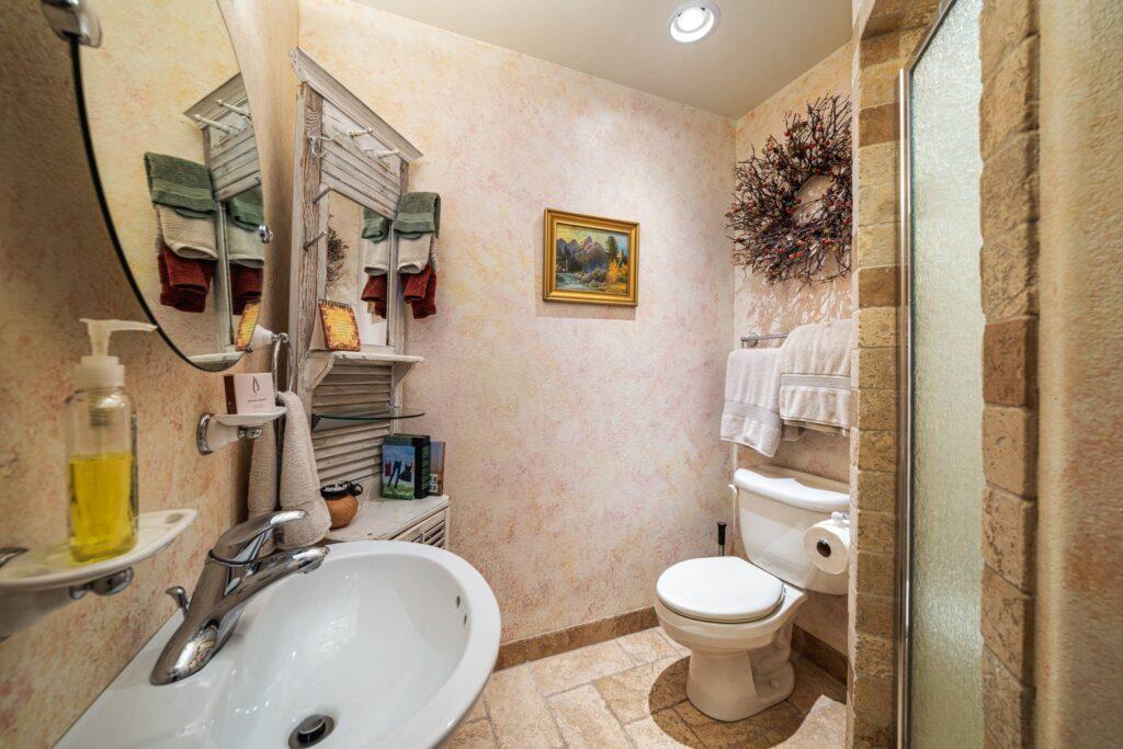 River View Suite Bathroom (2500)